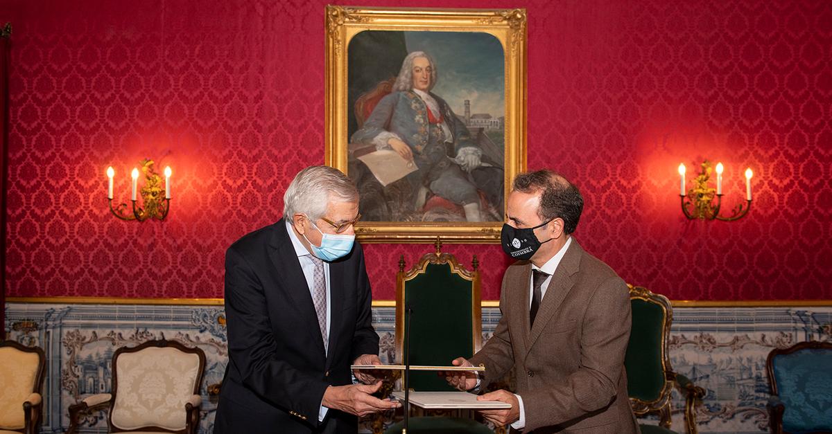 Protocolo com Universidade de Coimbra para criação de Gabinete de Curiosidades